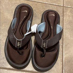 Nike sandals NWT
